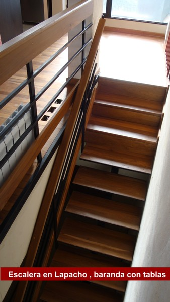 Escaleras y barandas pisos d ercole - Baranda de madera ...